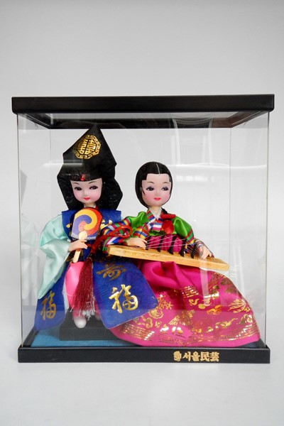 Picture of Korea Dolls in Display Case