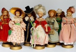 Picture of France 7 Dolls Historical Costume